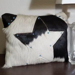 Pillow #1697
